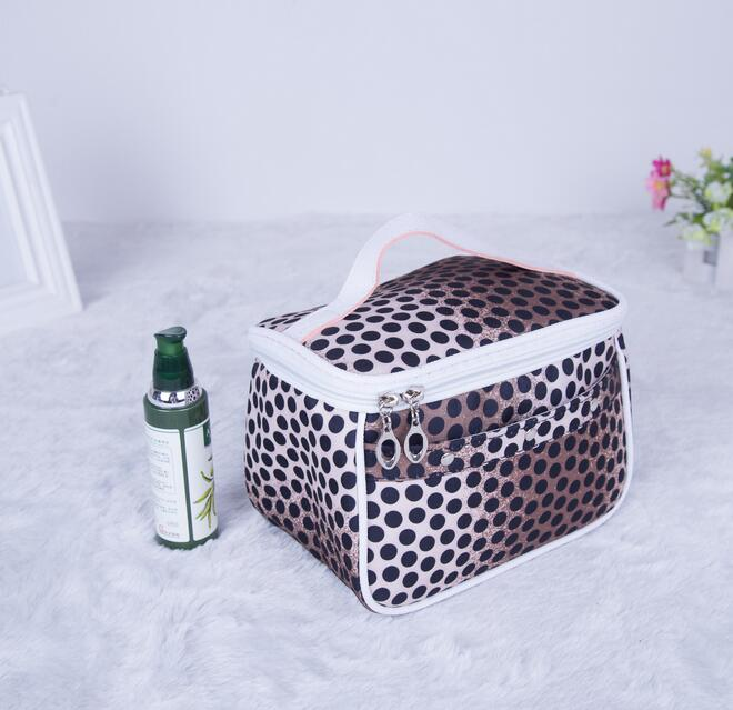 Wholesale dots printing beauty case cosmetic