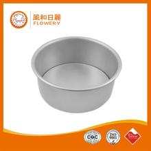 Hot selling low price baking cake muffin mold with low price