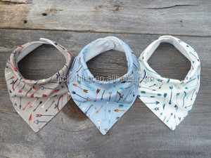(B1007#-white&blue&grey)2016 new hot sale comfortable bandana with arrow printing baby bibs