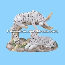 polyresin resting white tiger couple figurine