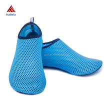 Low Price Non-slip Breathable Air Mesh Soft Beach Shoes Hot Sale Summer Seaside Elastic Fast Dry Fabric Driving Shoes Zapatillas