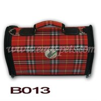 B013 Cloth Material Foldable Dog Carrier with Handle and Zipper