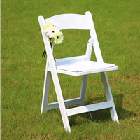 Factory Direct Wholesale White Padded Resin Folding Chairs for Wedding