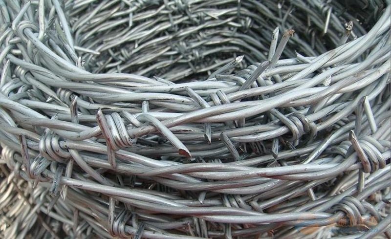 2017 sell galvanized barbed wire for farme fence dade factory