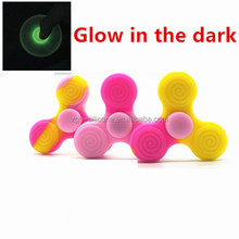 Factory Custom Colorful Glow In The Dark Fidget Spinner Toy