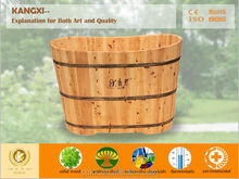 Cedar bathtub deeply suitable for soaking
