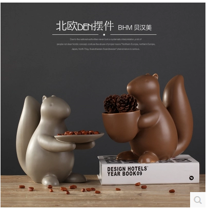 2016 ceramic home decorative crafts with glazed modern Arts and Crafts Wholesale of squirrel figurine decor