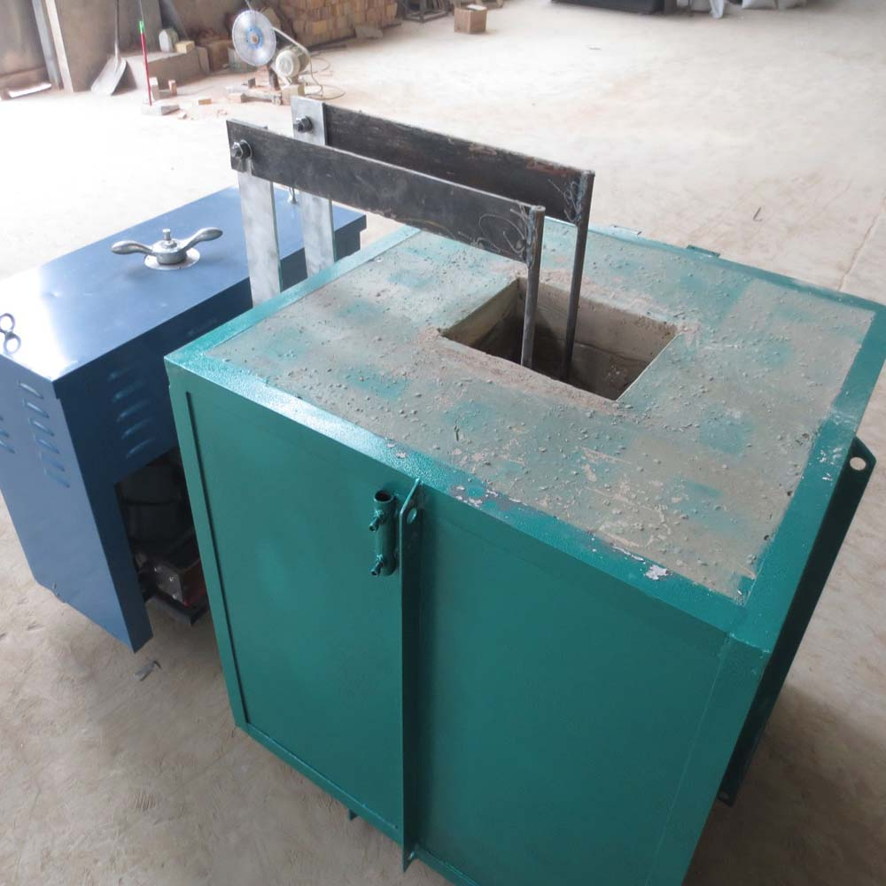 Heat treatment salt bath furnace for carburizing / nitriding