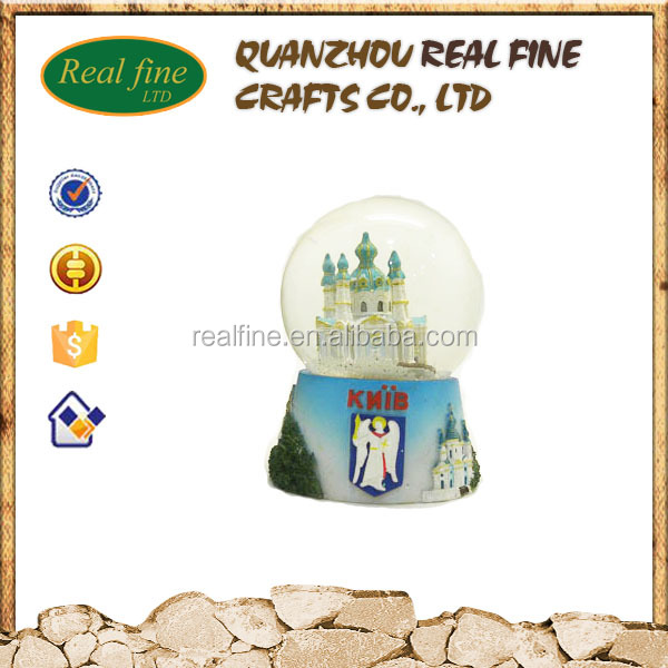 Wholesale custom design resin craft glass snow ball polyresin water globe for city country souvenir