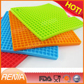 Renjia heat resistant hot food design table mats rubber material restaurant silicone dining table mat