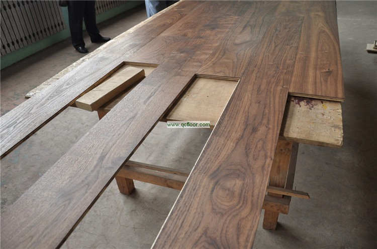 Reclaimed walnut floor american walnut timber flooring for Wood floor quality grades