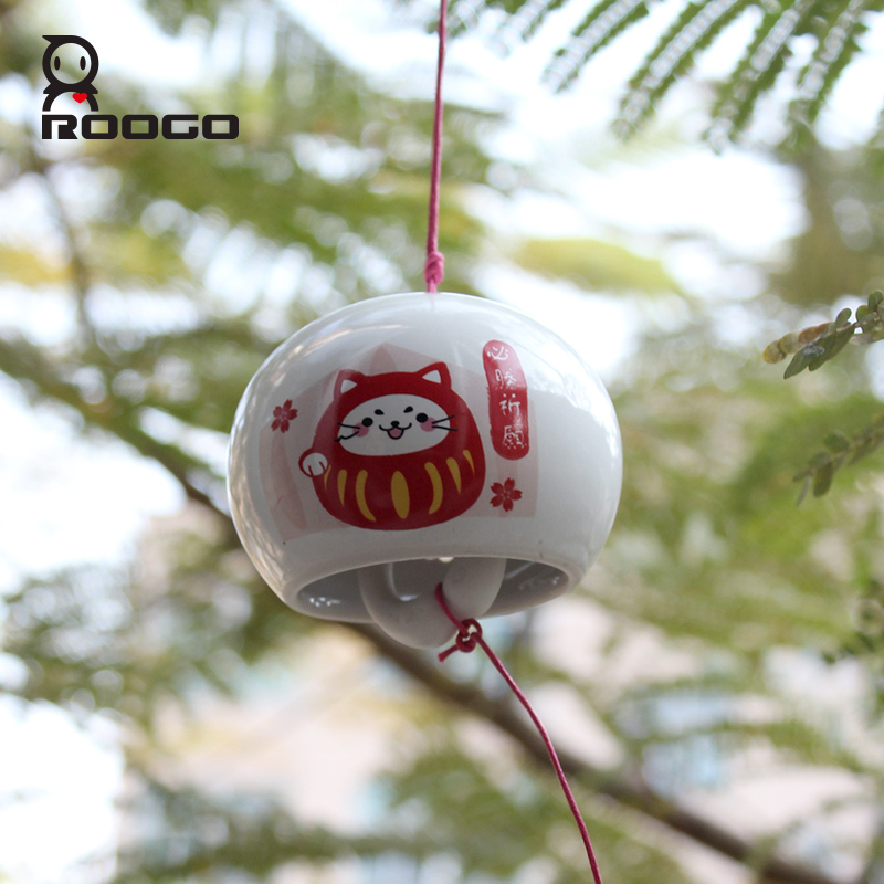 ROOGO resin western cheap cartoon indoor decor small spherical hanging best wishes wind chimes for return gift