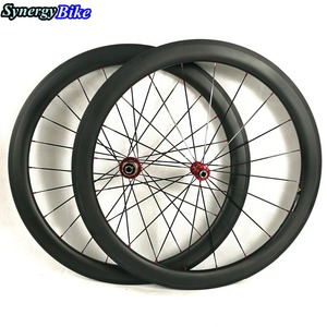2016 new design 700c*23mm light weight 50mm carbon clincher road wheelset RC50