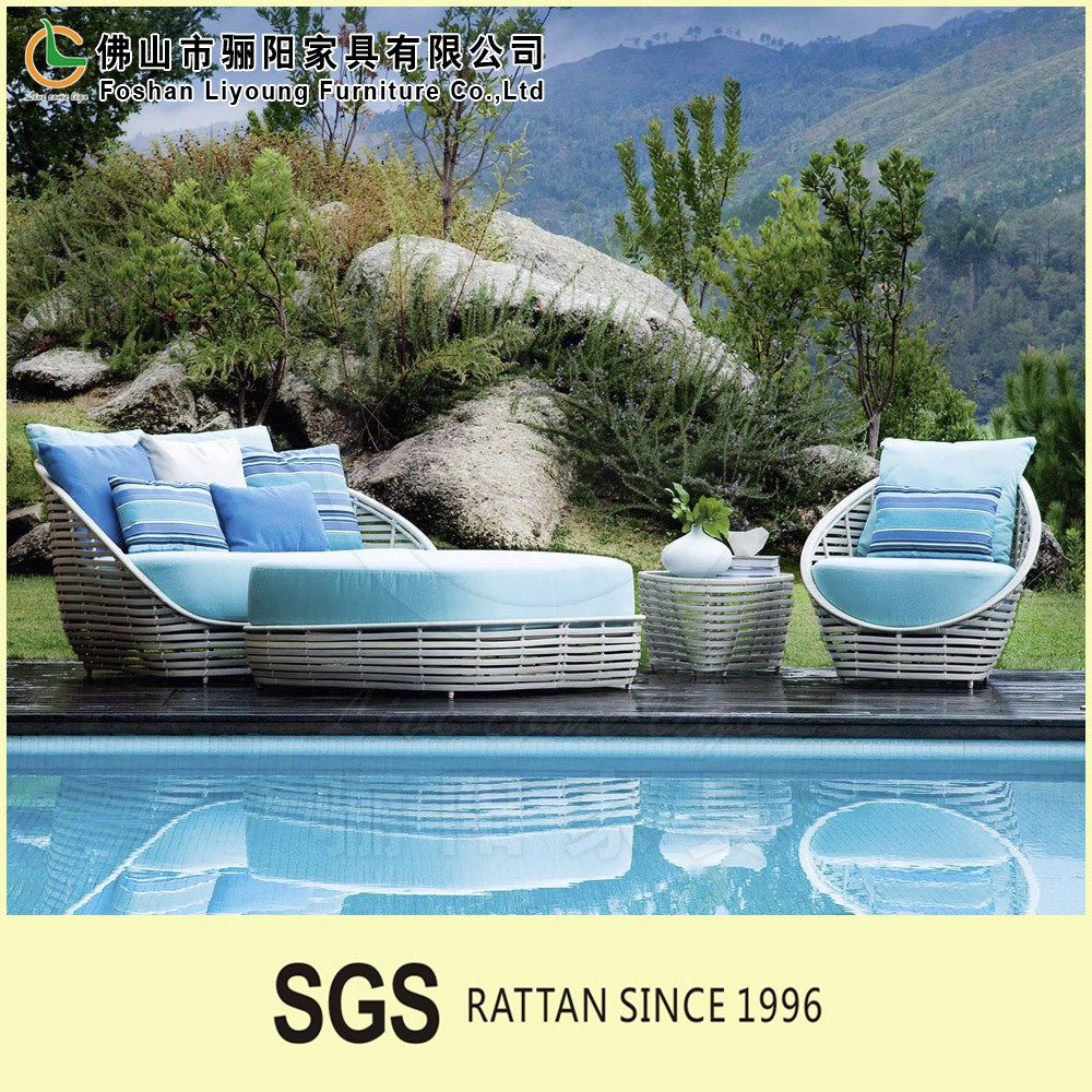 Factory direct wholesale Blue cushion and round rattan outdoor garden villa furniture sleeper <strong>sofa</strong> outdoor <strong>sofa</strong>