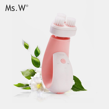 2017 Trending Beauty Produts Ms.w Smart Two Way Rotation Dupond Bristle Electric Facial Cleansing Brush with Base Holder
