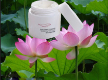Lotus whitening cream face cream