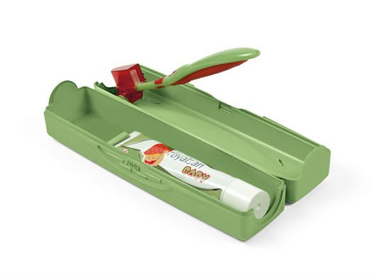 Baby oral hygiene travel kit