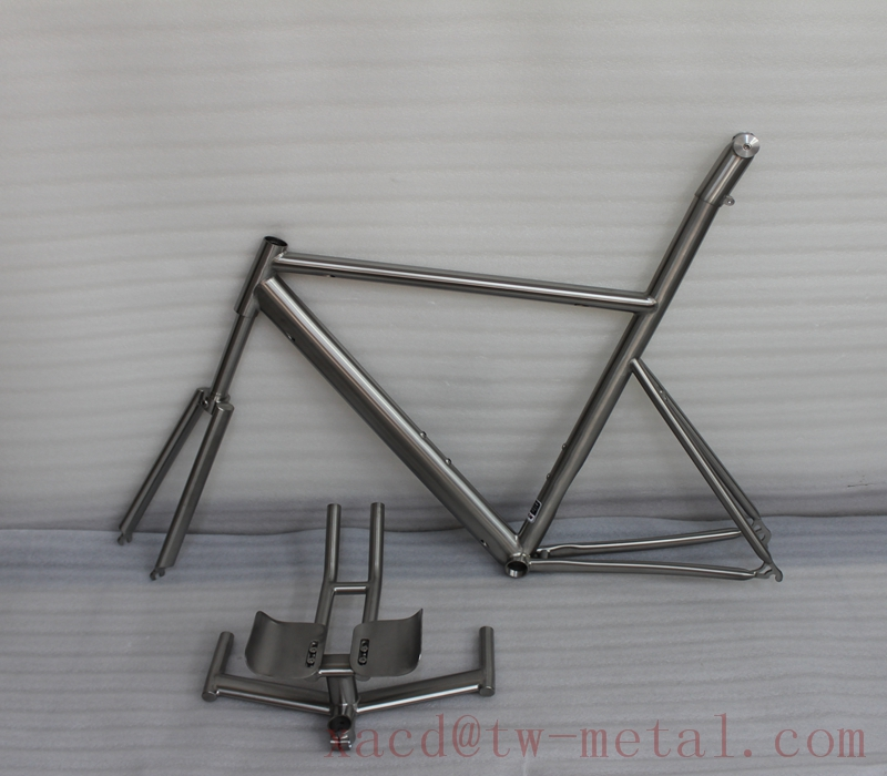 Custom titanium Road bicycle frame with fork and stem and handlebar XACD made ti 56 cm road bike frame with water drop tube OEM