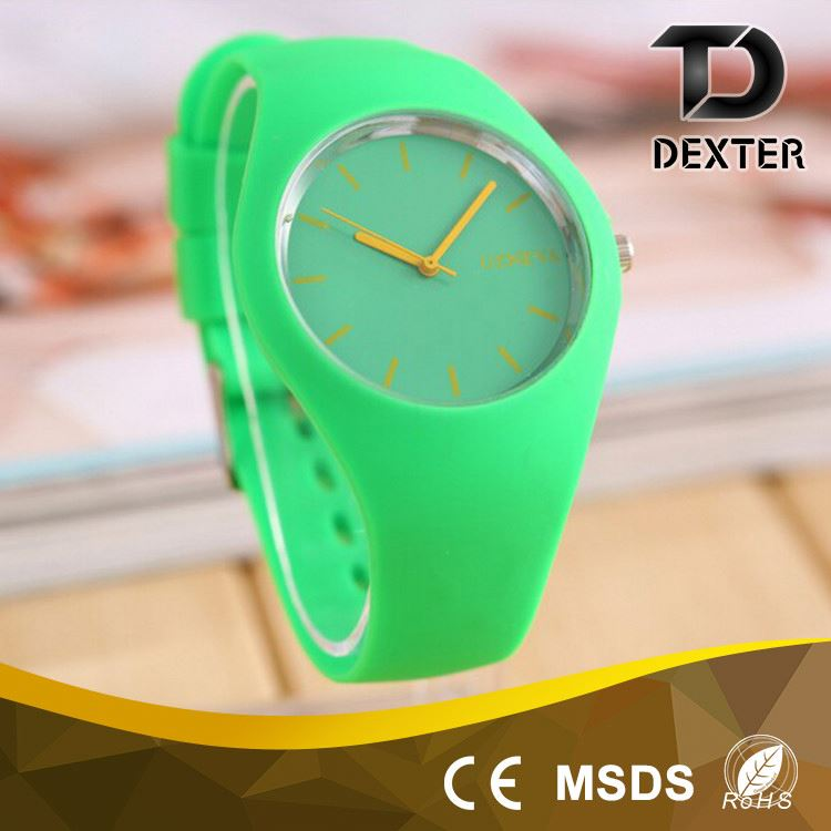 Hot selling OEM european style fashion lady silicone hand watch