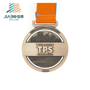 2018 new design silk ribbon 3d design bronze marathon running die cast zinc alloy custom medal