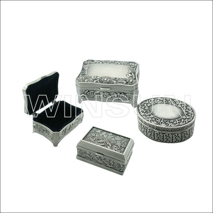 Metal jewelry boxes as weddig gifts