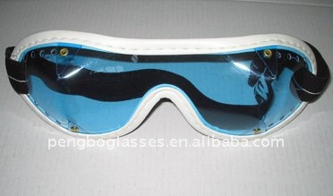 UV400 goggles for horse racing