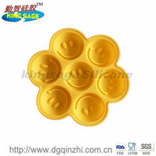smiling face silicone ice cube tray