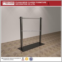 Retail Clothes Store Flooring Display Stand Design
