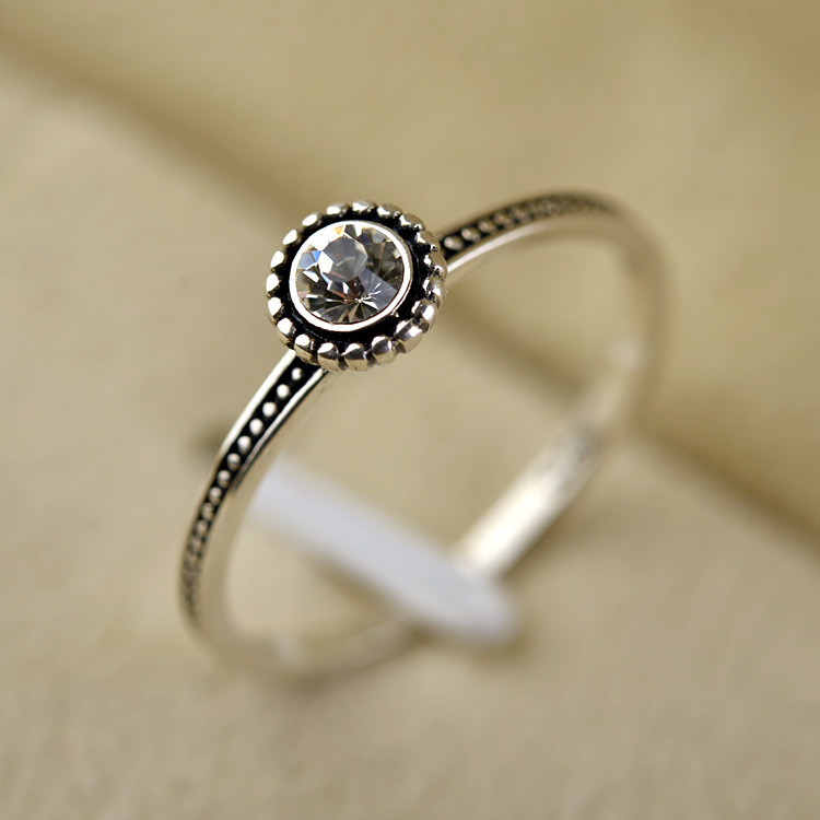 Fashion jewelry Italina brand Thai silver ring with diamond on the top