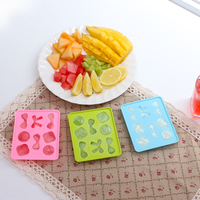 Latest Hot Sales Cute Shaped 8 Dividers Silicone Ice Cube Tray