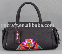 2013 hot sell lady fashion embroidered bag wholesale