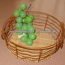 Round wire frame and rattan weaving fruit basket with handle