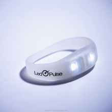 Hot selling Led Pulse waterproof customized light up silicone wristband led motion activated flashing bracelets