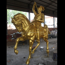 Europen war sculpture bronze casting warrior with sword with real gold color