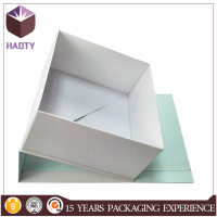 Large magnetic closure gift box