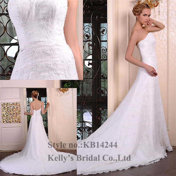 Bateau neckline wedding dreses with sleeves& Appliqued lace and bead Big and long train long dress for mother of groom