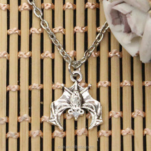 Yiwu Jewelry Custom Animal upside down bat vampire dracula pendant alloy silver necklaces