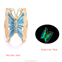 New design Hot-sales alloy butterfly luminated ring fashion beautiful girls glow in the dark ring wholesale