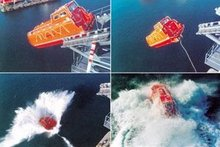 TOTALLY ENCLOSED GRP FREEFALL LIFEBOAT