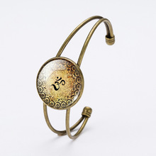 fashion vintage cheap wire metal cabochon open cuff bangle with dome glass charm time gem stone bracelet