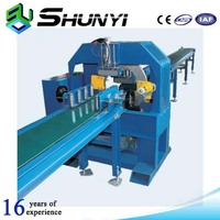 Horizontal shrink profile wrapping machine