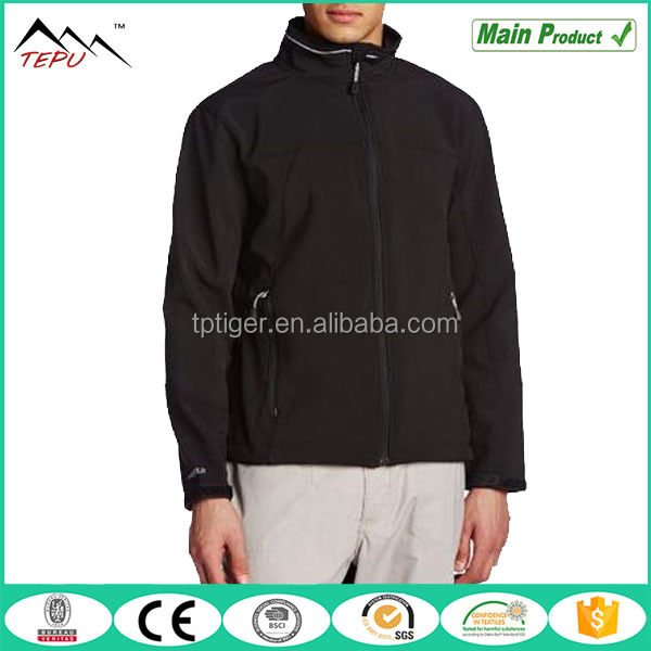 2017 New Windproof Outerwear High Quality Softshell Men Jacket