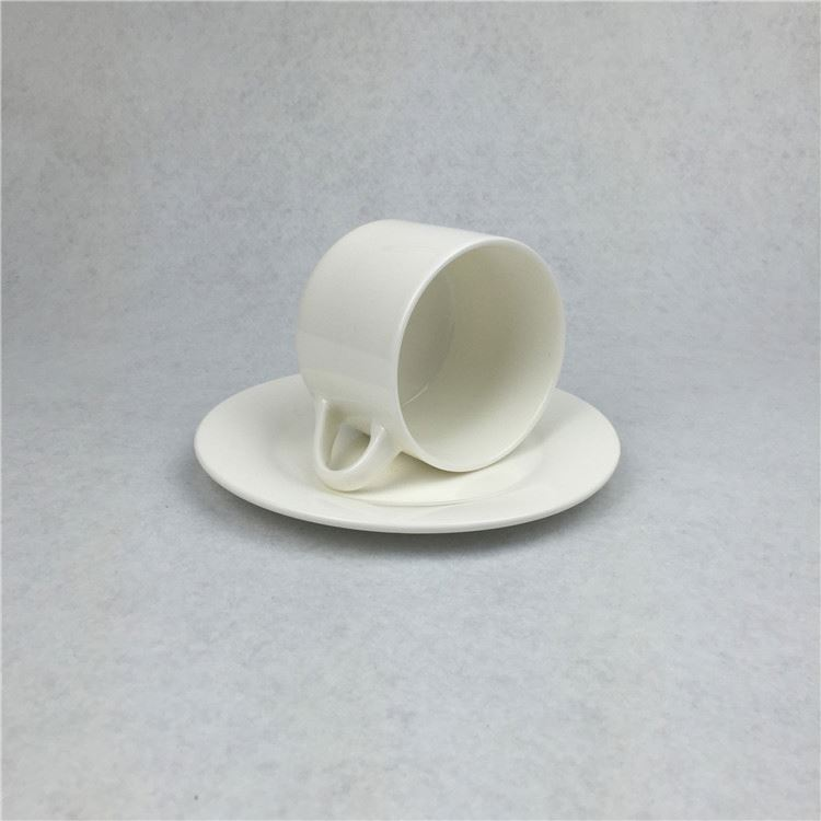 Latest different types ceramic mug with silicon grip and spoon wholesale