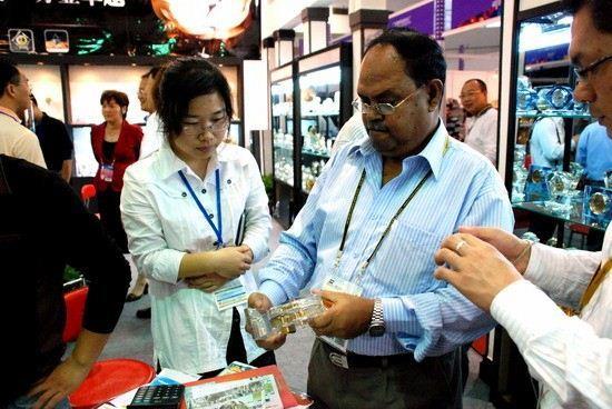 FACE BRUSH Wholesale - with #1 YIWU AGENT the Largest Wholesale Market - 7731