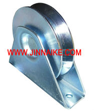 bottom bearing wheel for sliding gate track