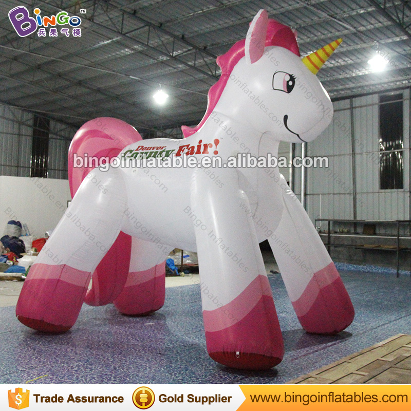 Hot sale giant inflatable jumping fly white horse model