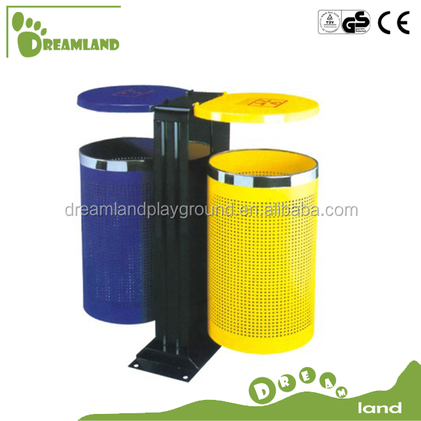 Large outdoor trash can with lid, public waste garbage bins