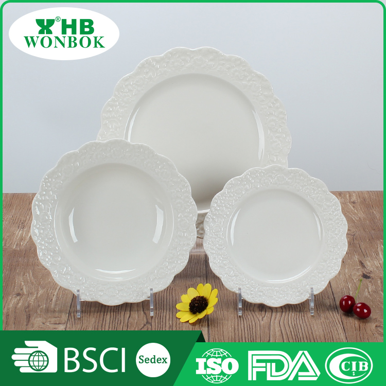 High end FDA white flower shape porcelain dessert salad plate for hotel