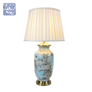 Good Quality CE ULSAA Blue Ceramic Desk Lamp Flower Pattern Led E27 Home Decorative Table Lamp Made In China