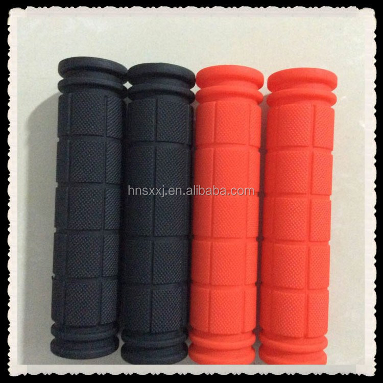 Silicone rubber handle grip